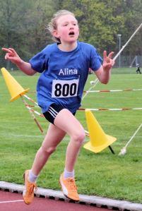 Kreismeisterin über 2000 Meter W11: Alina Schönle