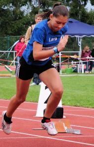 Neue Bestzeit über 60 Meter Hürden: Lara Schönith