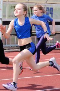 Doppelsieg im Weitsprung und Sprint: Camie Fischer mit  Anna-Lena Strohschneider)