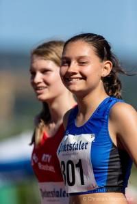 Kann gut Lachen: Lara Schönith, zum ersten Mal unter 13 Sekunden über 80 Meter Hürden