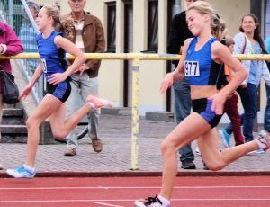 Starker Sprintnachwuchs:  Hanna Altmann (li)  und Celine Scheifele