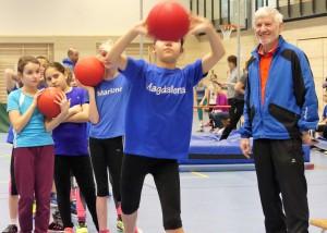 Steinbachs Wurftrainer Hermann Oser sichtet die Talente